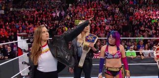 ronday rousey ditches ufc for wwe with surprise royal rumble appearance 2018 images