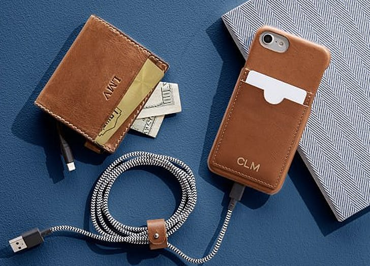 self charging wallet valentines day tech gift ideas
