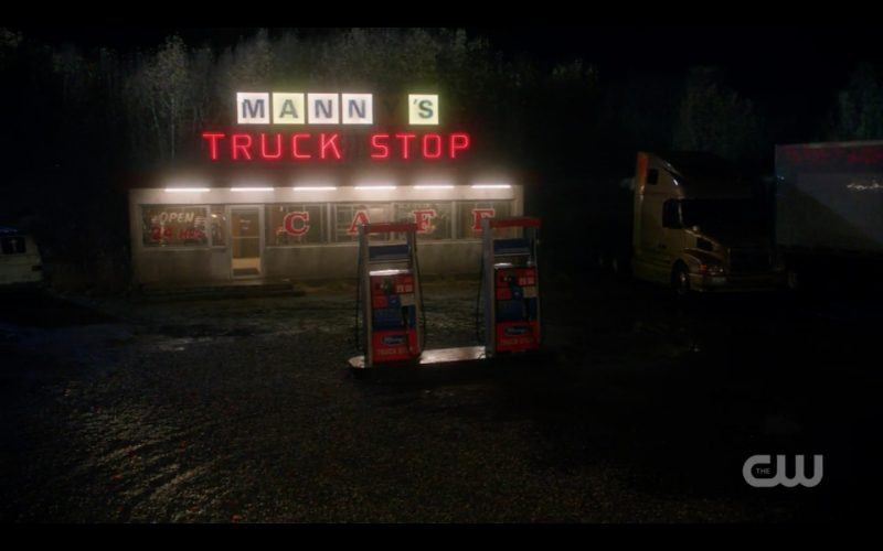 supernatural mannys diner truck stop exterior images