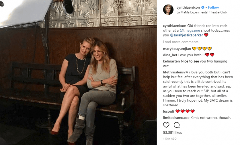 cynthia nixon standing with sarah jessica parker in kim cattrall fight