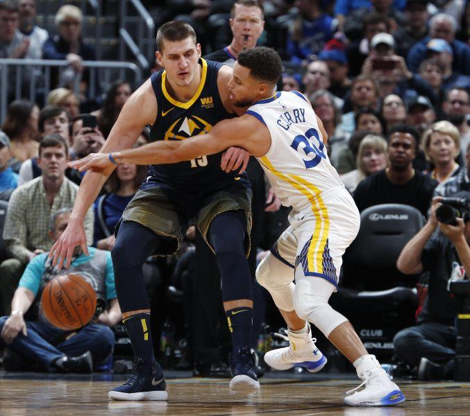 Nikola Jokic and Stephen Curry gettling sloppy with warriors game
