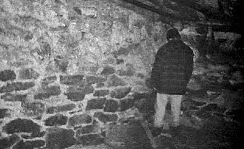 blair witch project creepy basement scene
