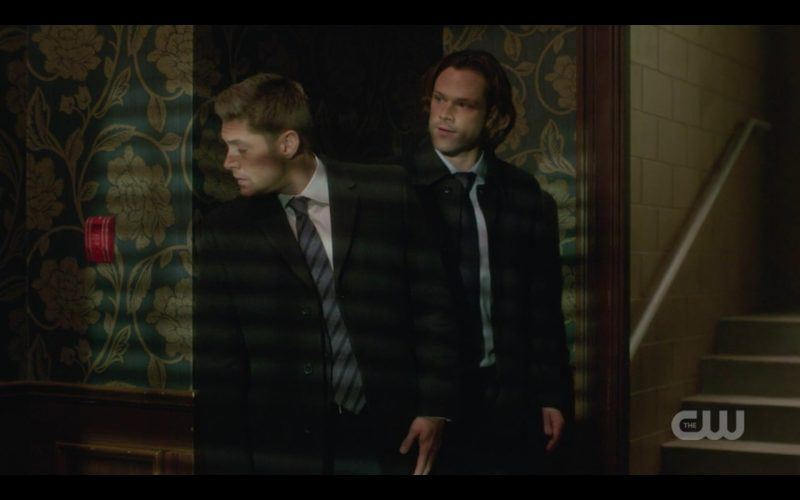 dean sam winchester searching hotel room for father lucca supernatural