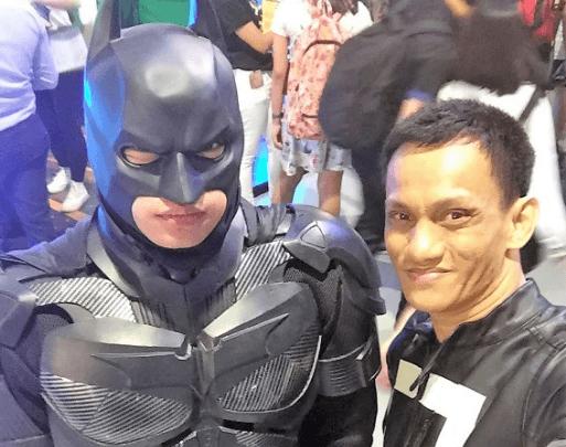mttg marius with batman cosplay comic con asia 2018