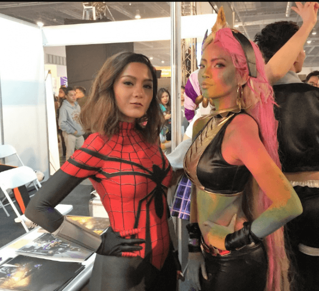 sexy cosplayers for mttg comic con asia