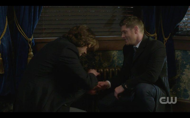 supernatural dean winchester grinning at scarpatti mobs