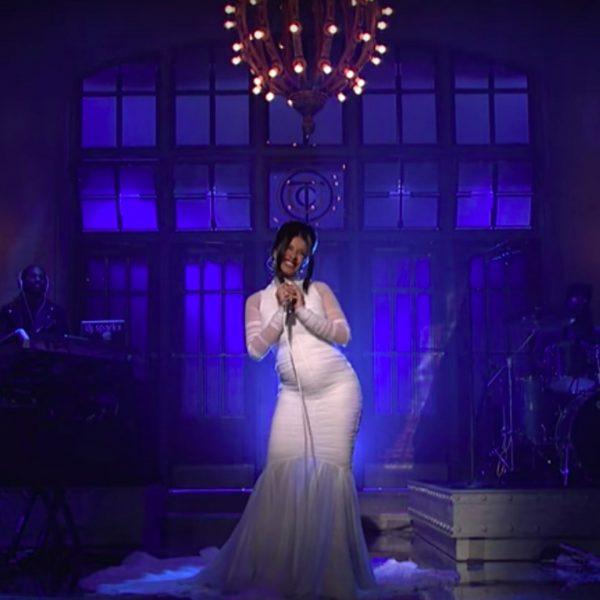 cardi b shows off pregnancy saturday night live show
