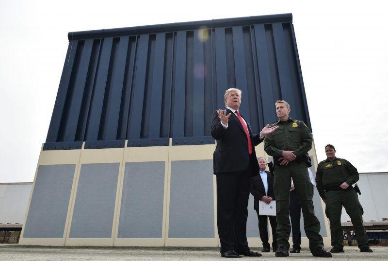 donald trump mexico wall standoff military