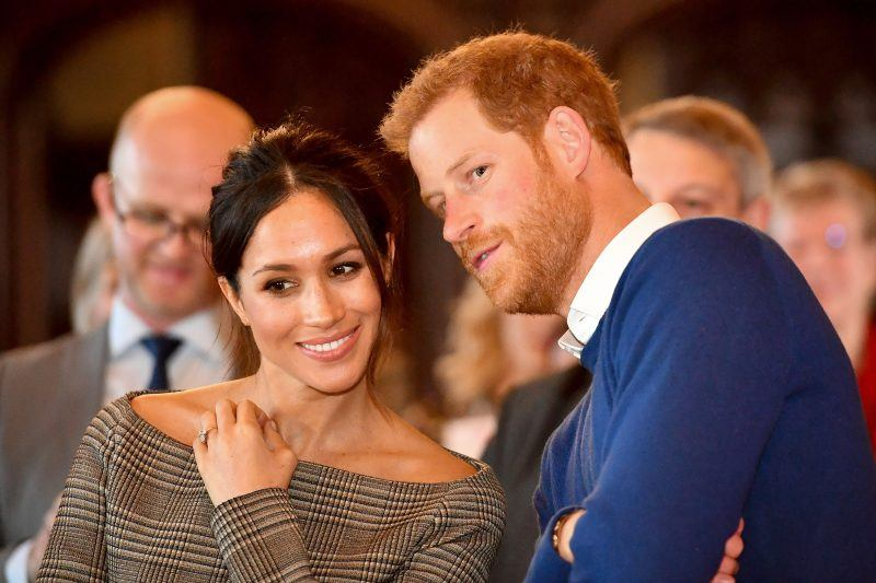 meghan markle planning wedding frenzy for prince harry