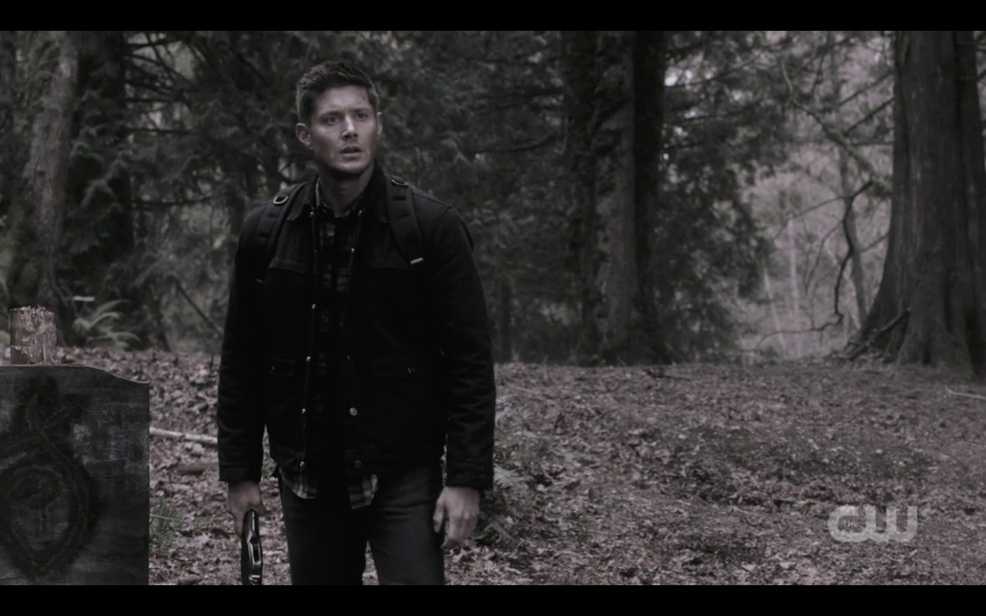 dean winchester sees mary in woods supernatural beat the devil