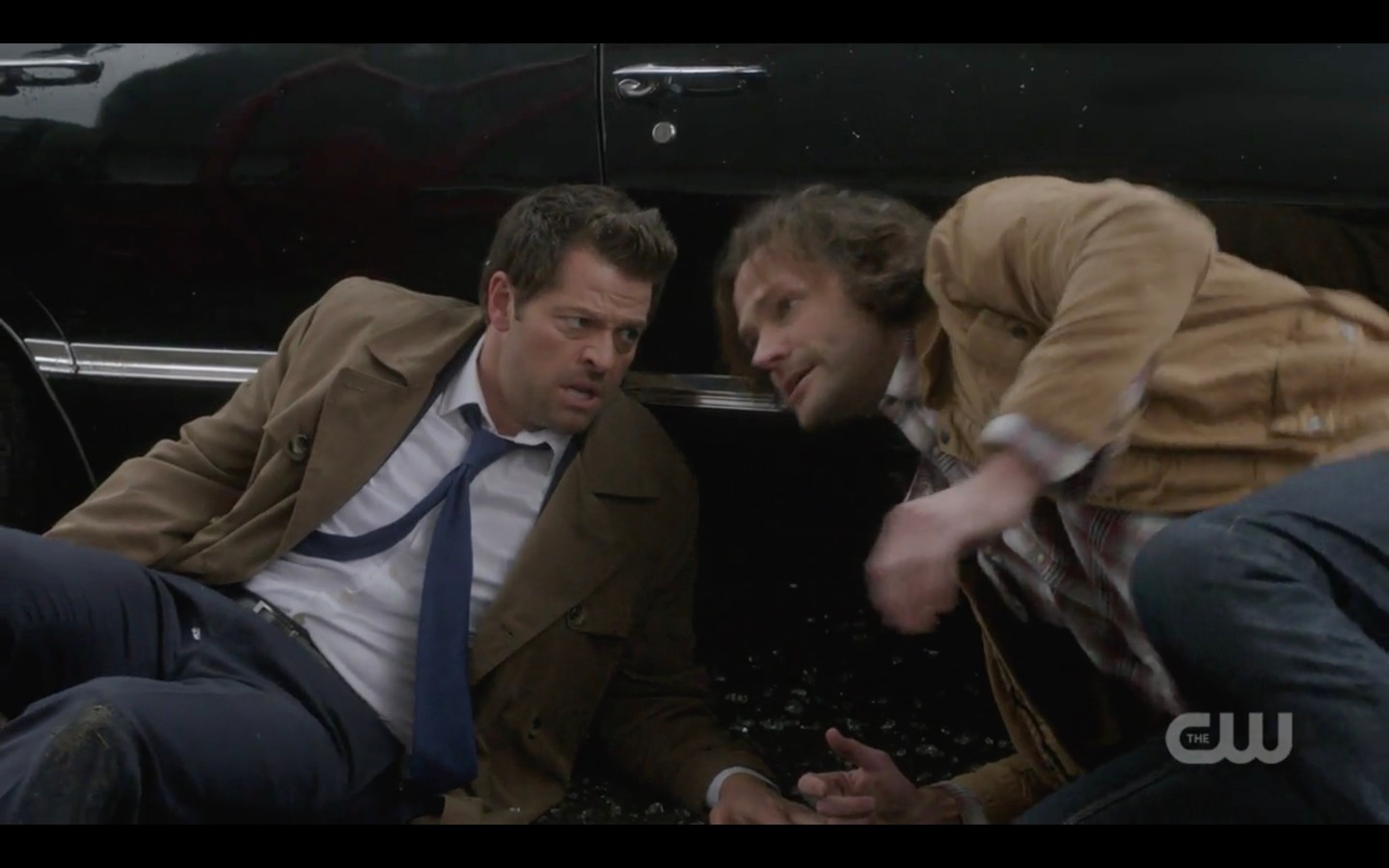 supernatural castiel sam winchester after store blows up glass finale