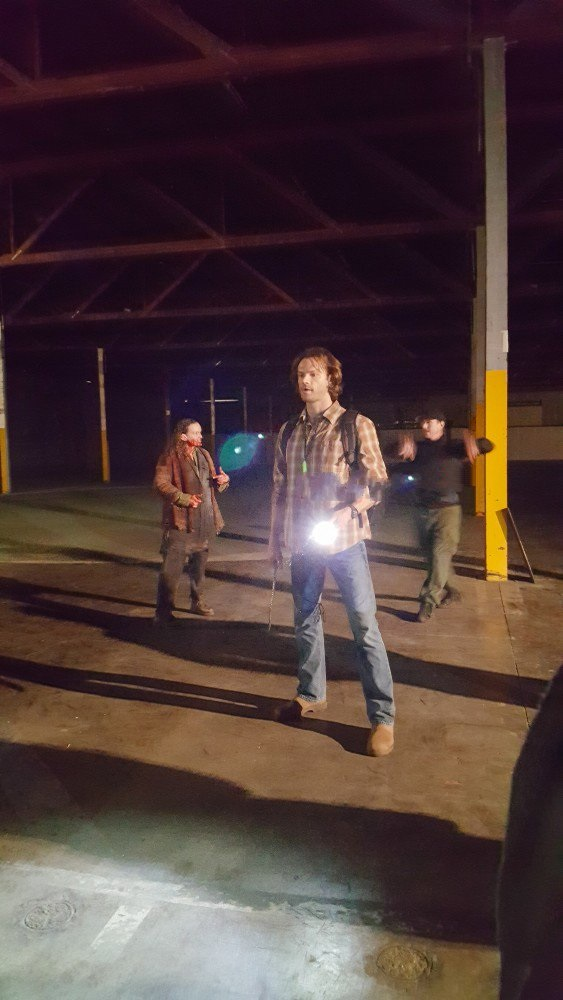 supernatural jared padalecki fight scene set visit beat the devil