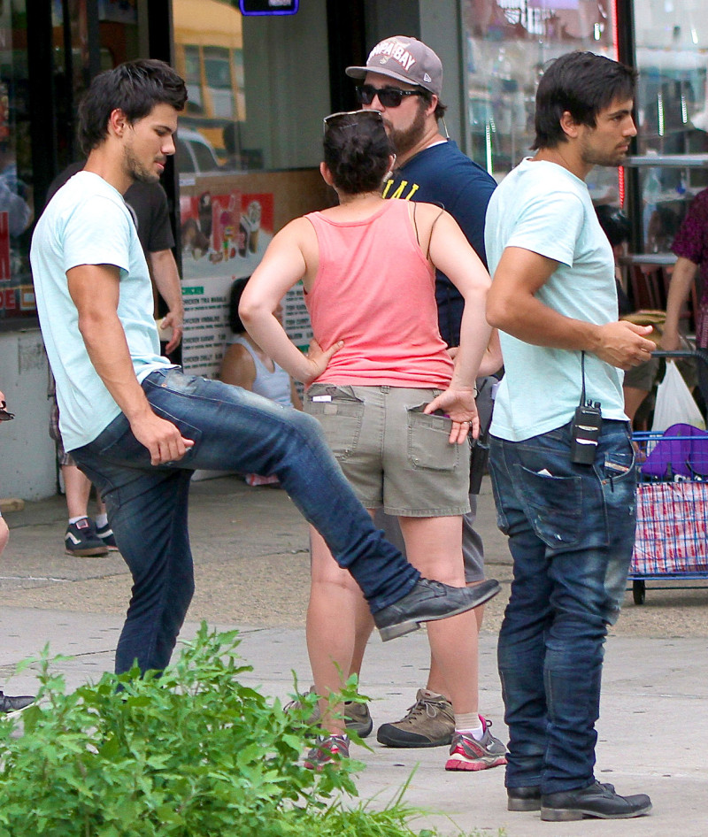 taylor lautner kicks up bulge for tracers stunt double