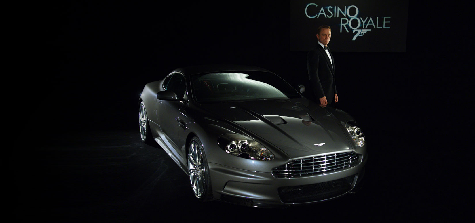 Aston Martin DBS V12 hot james bond cars daniel craig