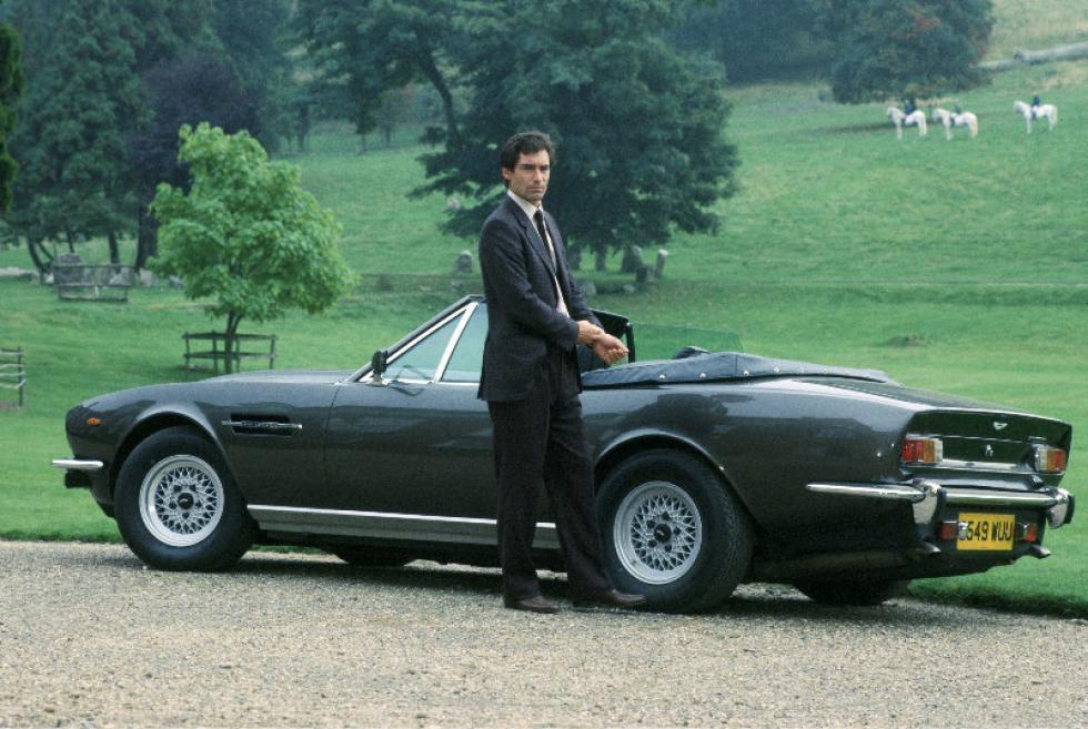 Aston Martin V8 Vantage Volante james bond cars