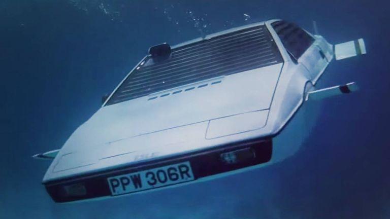 Lotus Espirit hot james bond cars submarine spy who loved me