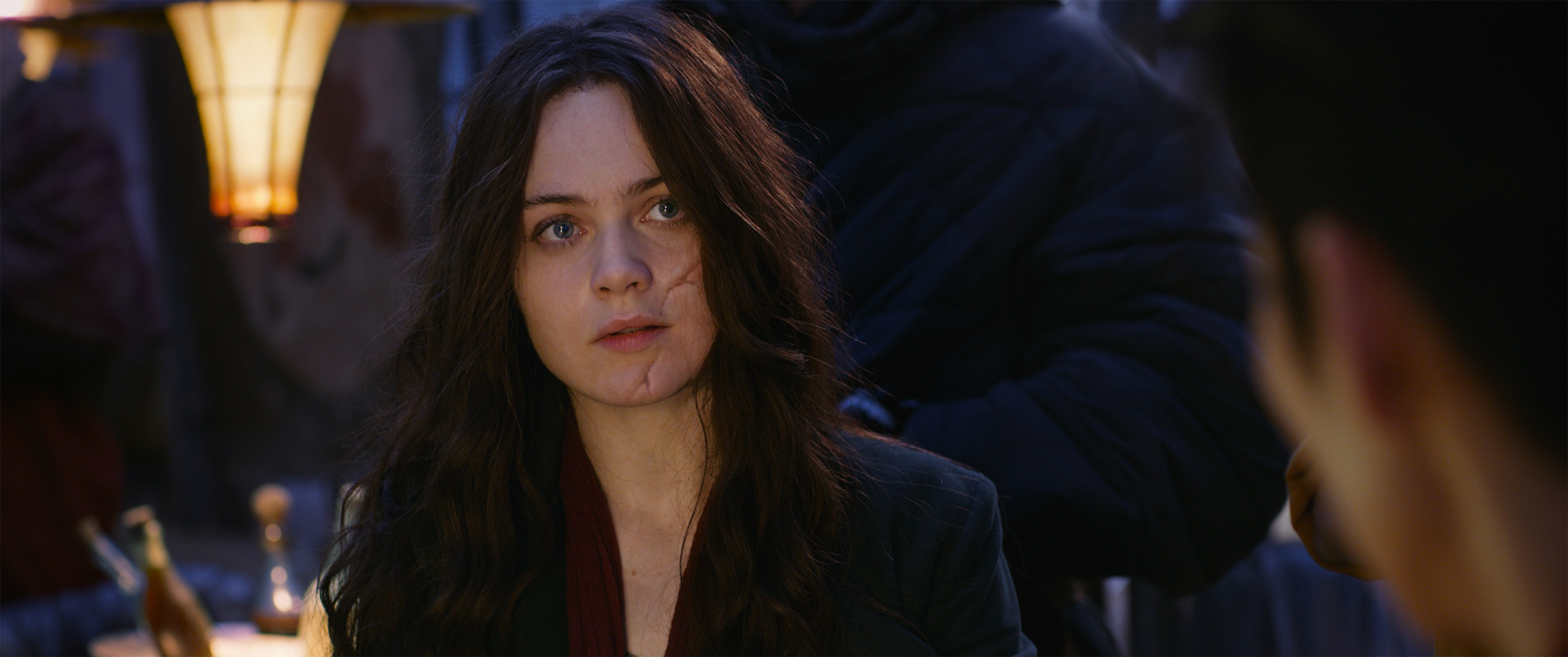 mortal engines hera scarred face