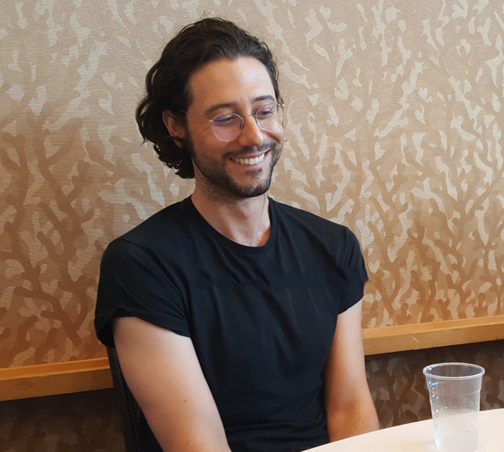 hale appleman charming mttg lynn at comic con magicians interview
