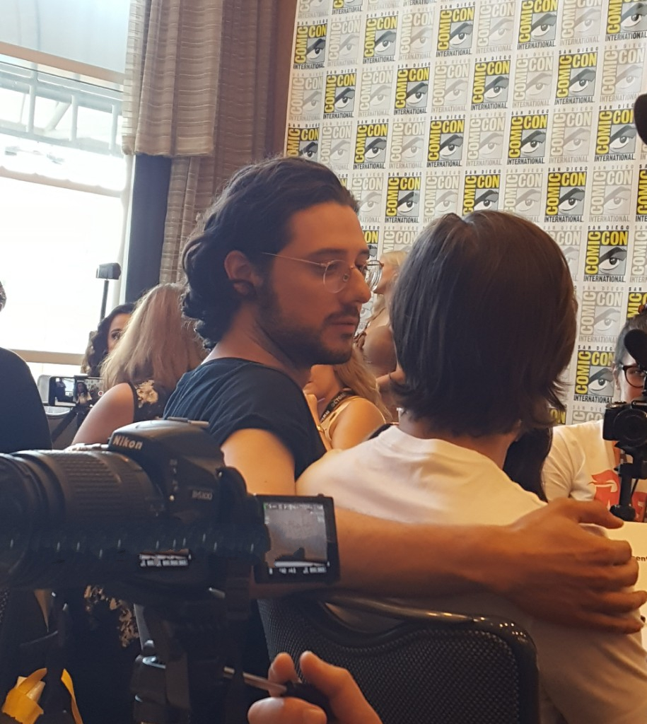 hale appleman holding jason ralph for movie tv tech geeks magicians interview