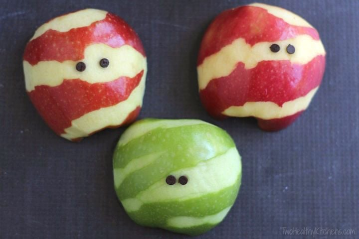 halloween mummy apples for kids to make