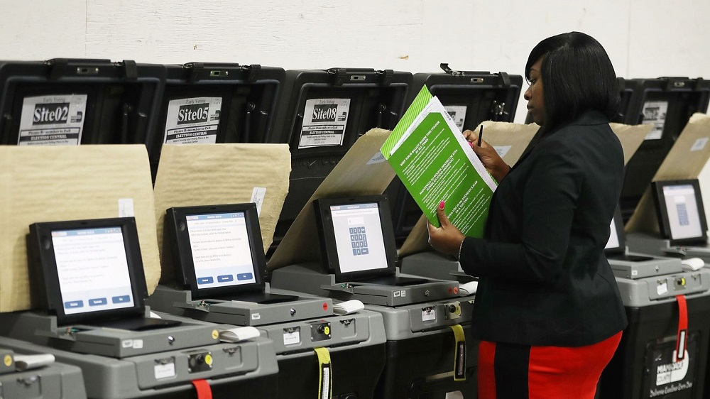 voting machines still vulnerable according to hackers 2018 images