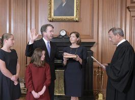 brett kavanaugh sworn in to supreme court 2018