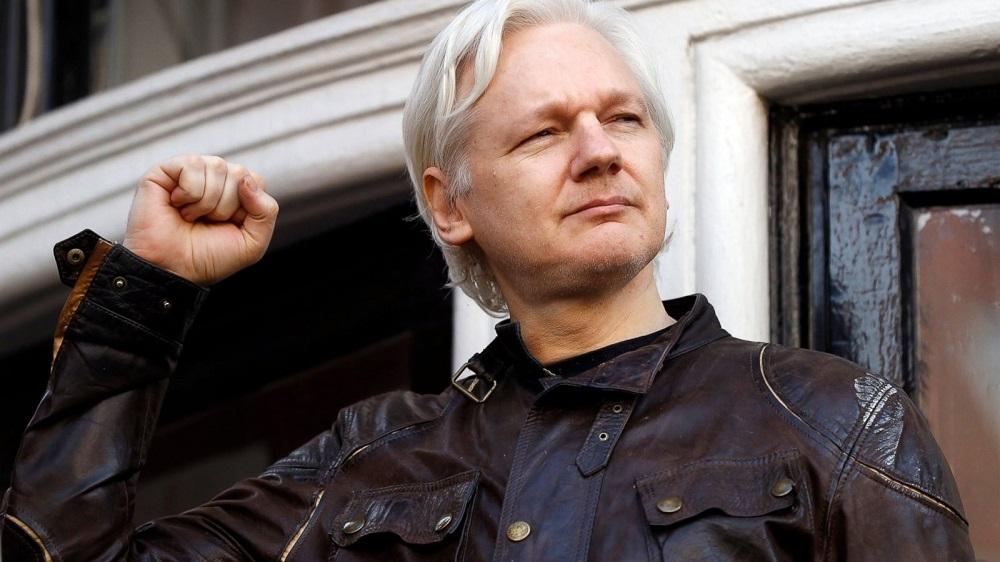julian assange nearly a russian diplomat 2018 images
