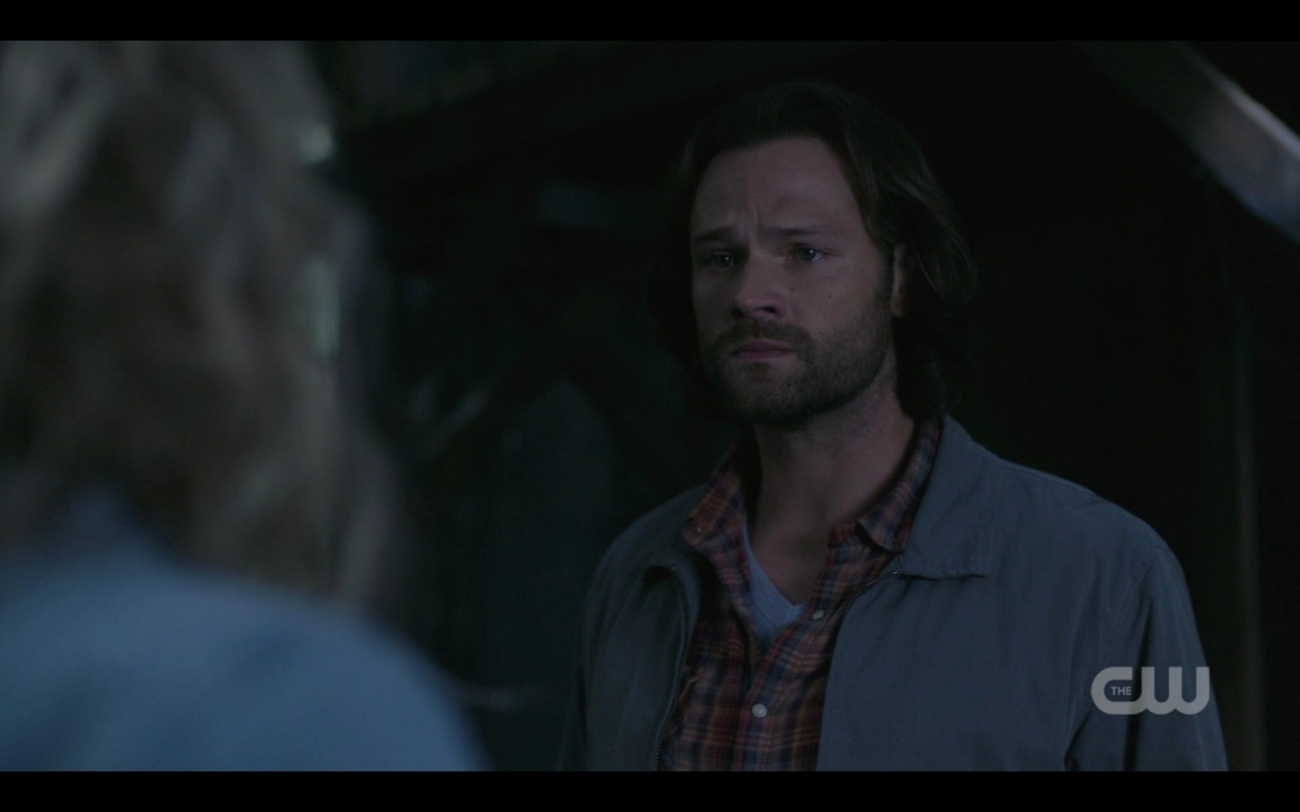sam looks at mary teary as hunters win spn fight