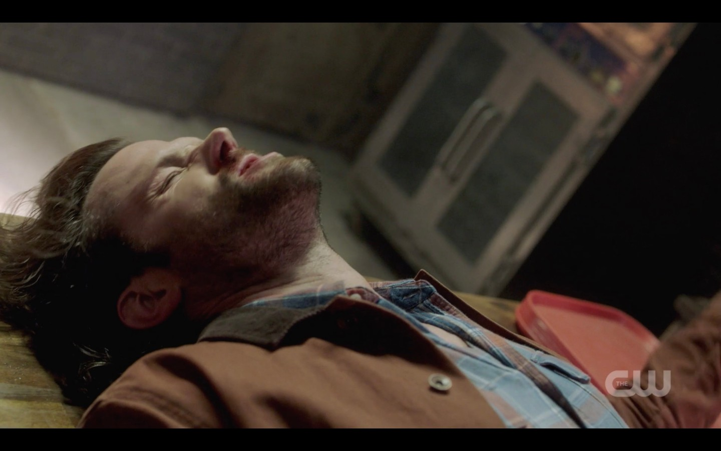 sam winchester knocked out by kip on floor spn 1401