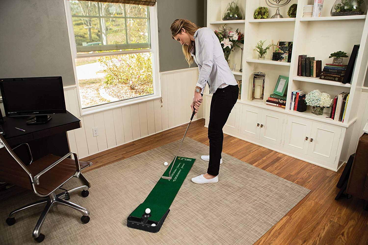 SKLZ Accelerator Pro Indoor Putting Green hot sports gift guides