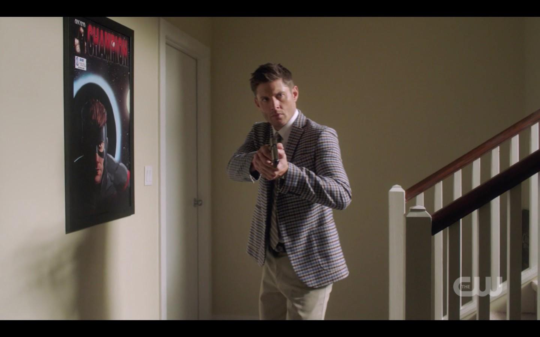 dean winchester does james bond pose with gun spn 1404