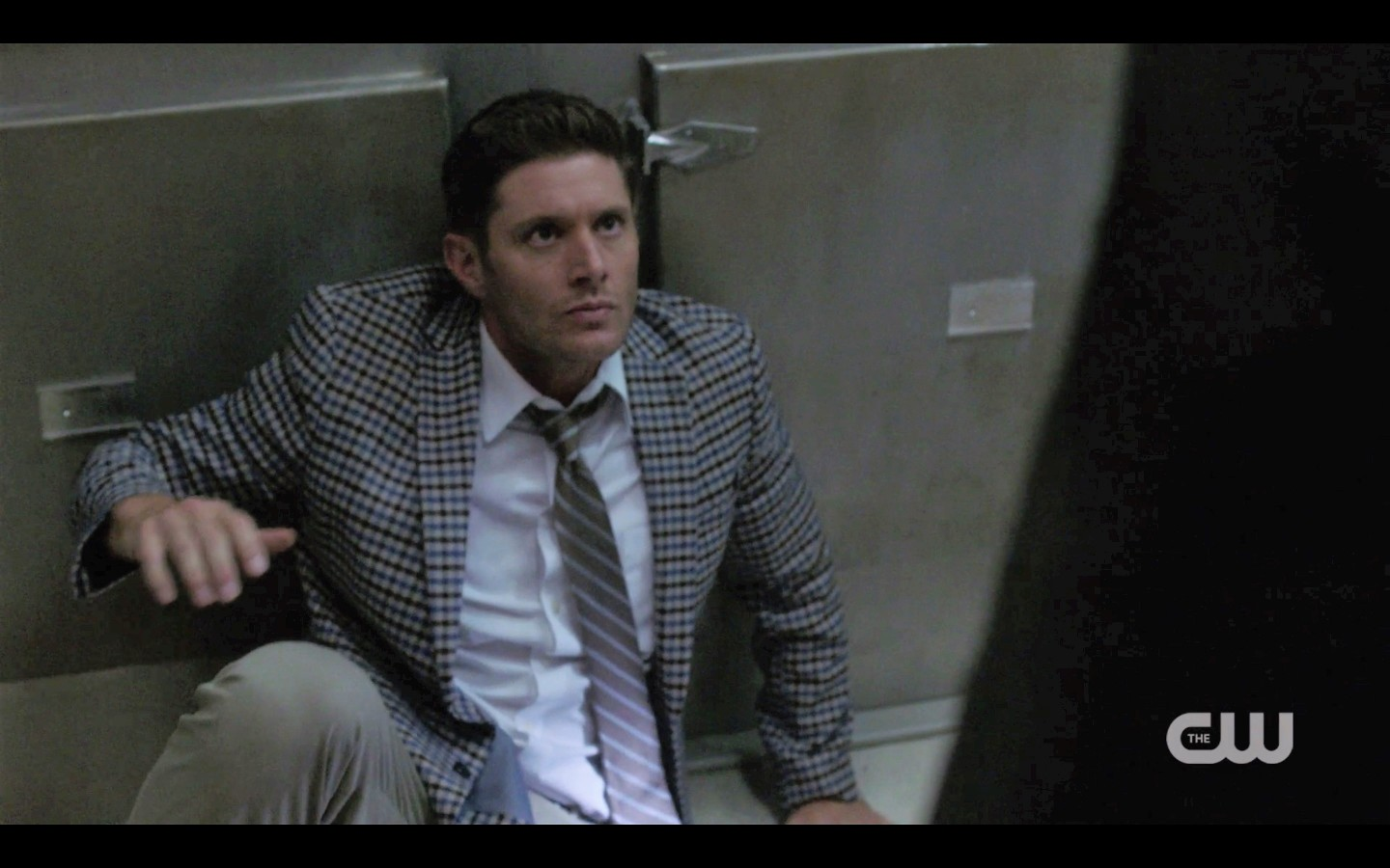 dean winchester fighting with bedpans supernatural 1404
