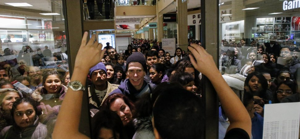 people hating black friday 2018 crowds at mall