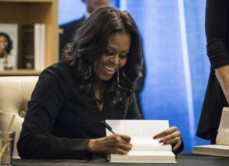 what to expect from Michelle obama becoming book and tour images 2018