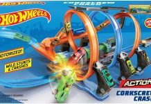 Hot Wheels Corkscrew Crash Track Set review hottest young boy toy set