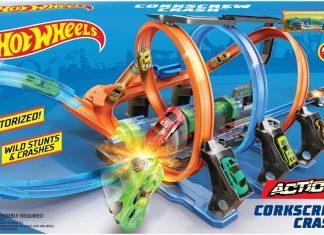 Hot Wheels Corkscrew Crash Track Set review hottest young boy toy set