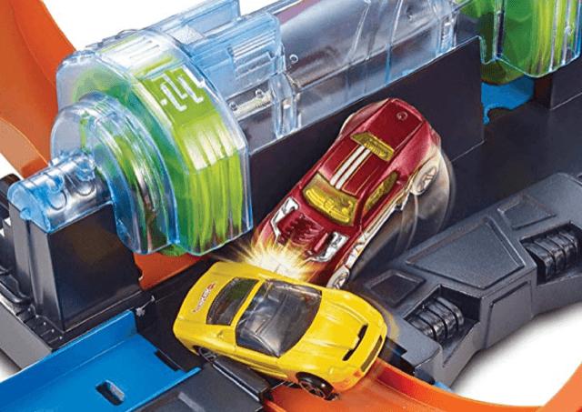 Hot Wheels Corkscrew Crash Track cars crashing boy toys