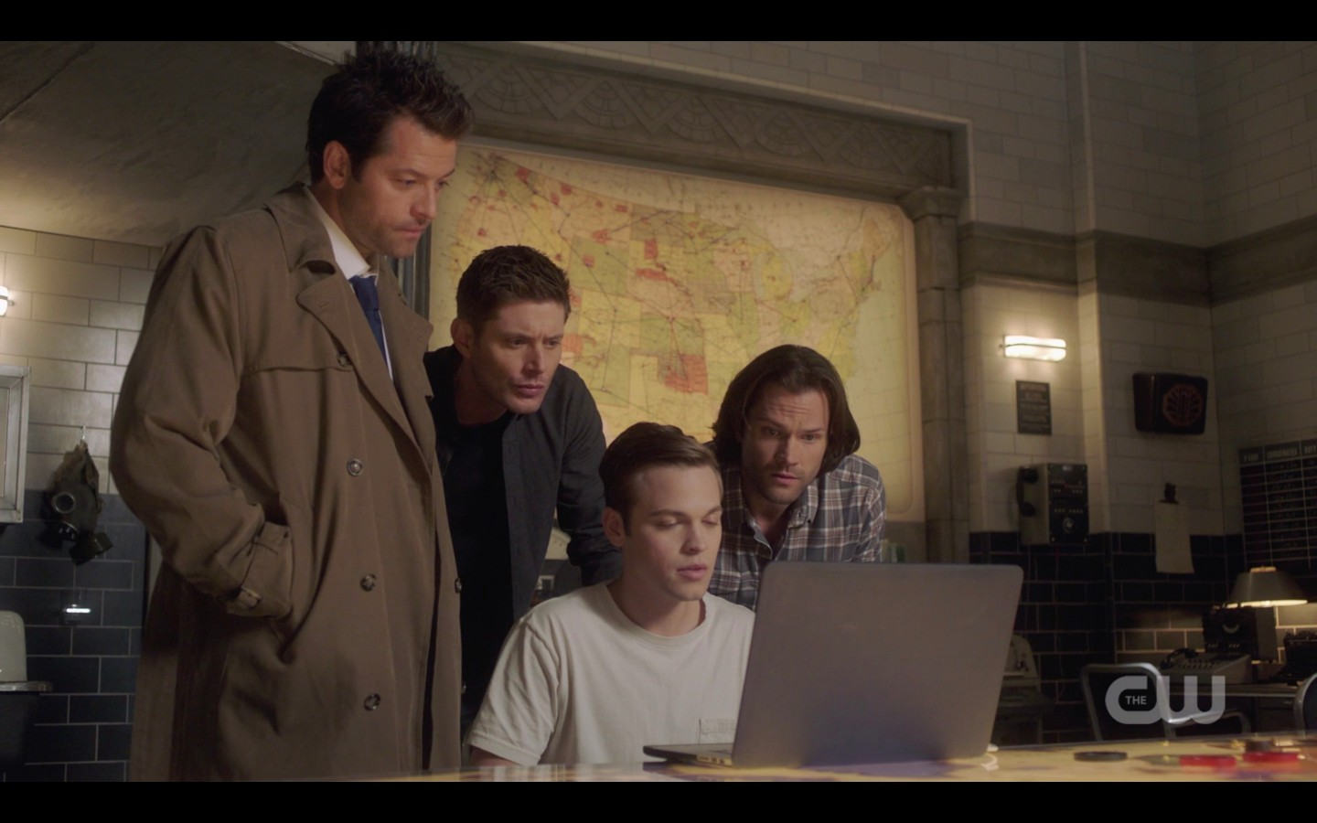 cas jack sam dean winchester looking at ketch skype 1409 spn