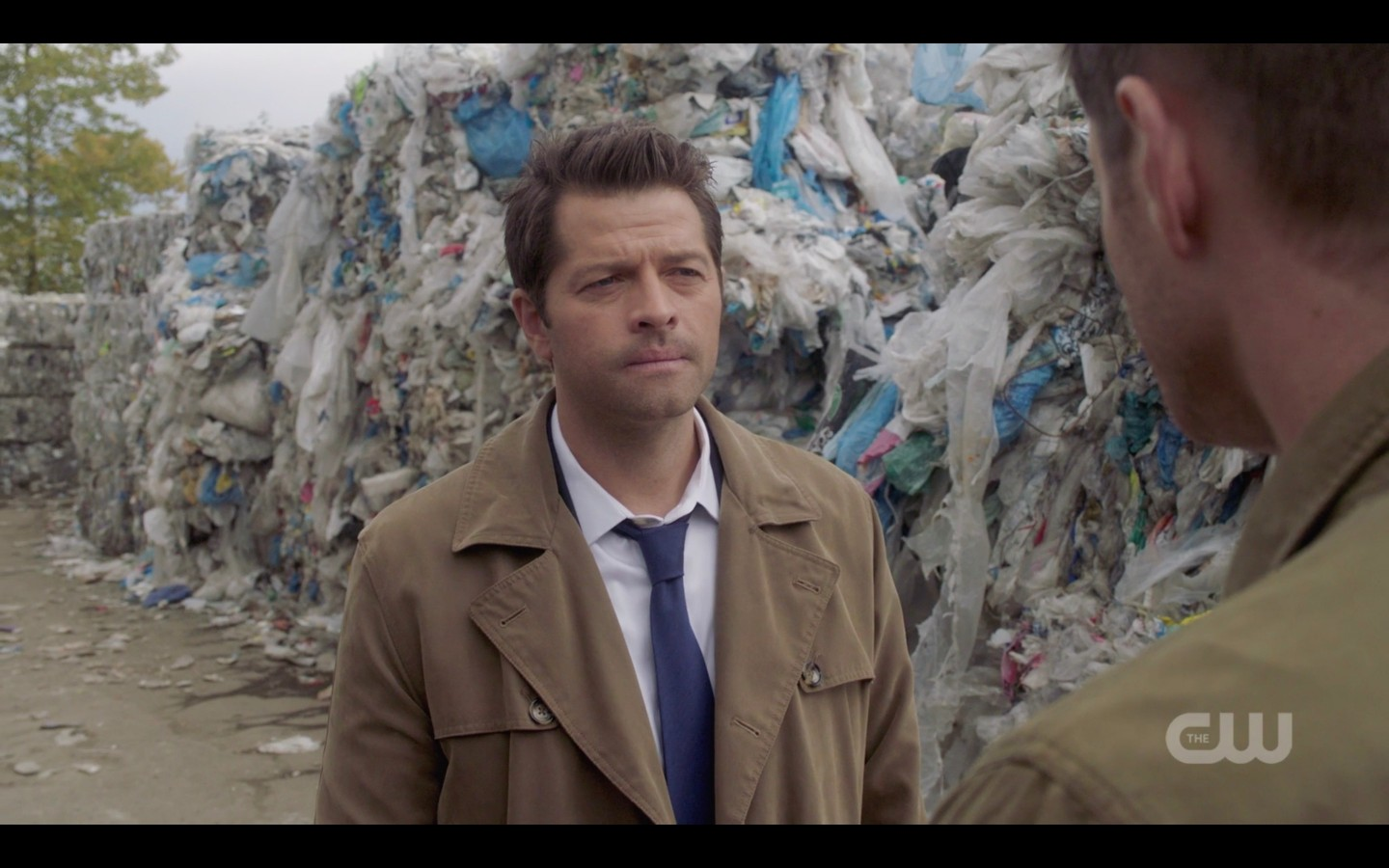 spn 1409 castiel with dean winchester at car dump