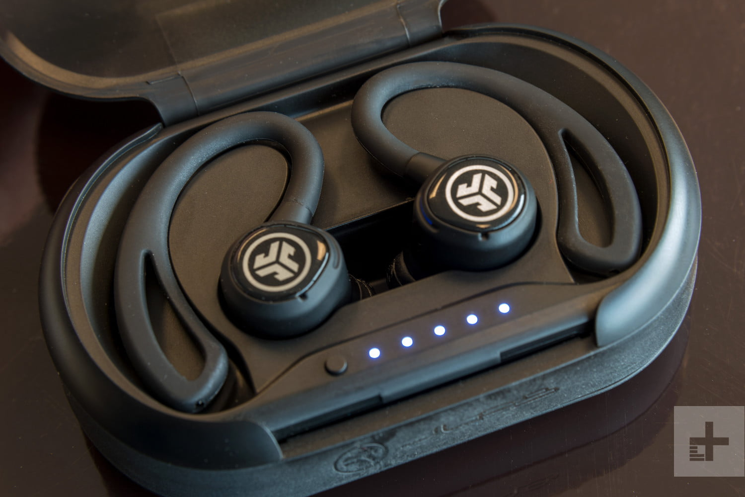 wireless earbuds hot holiday gifts