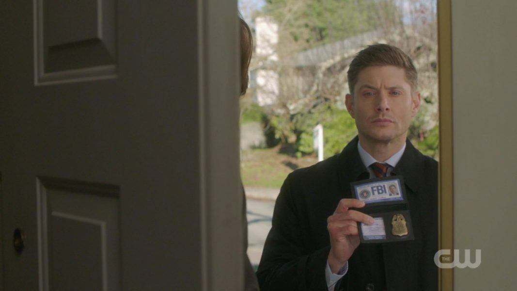 dean winchester flashing fbi badge to eddie spn 1412