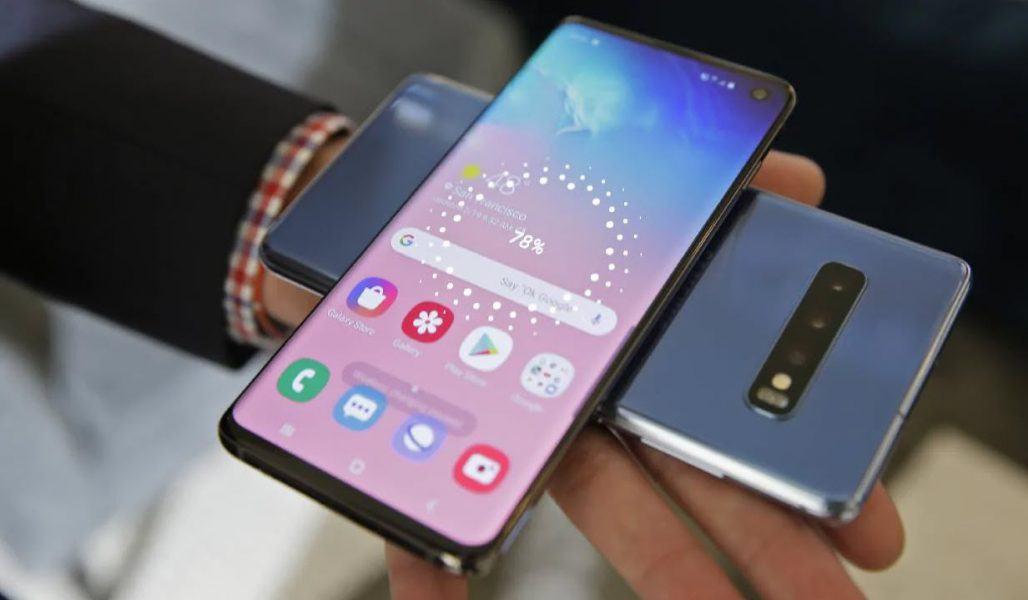 galaxy fold smartphone models hit
