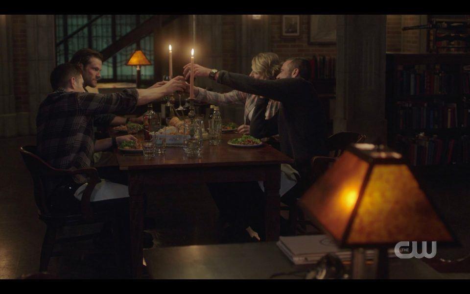 spn 1413 winchester family celebrating dinner together