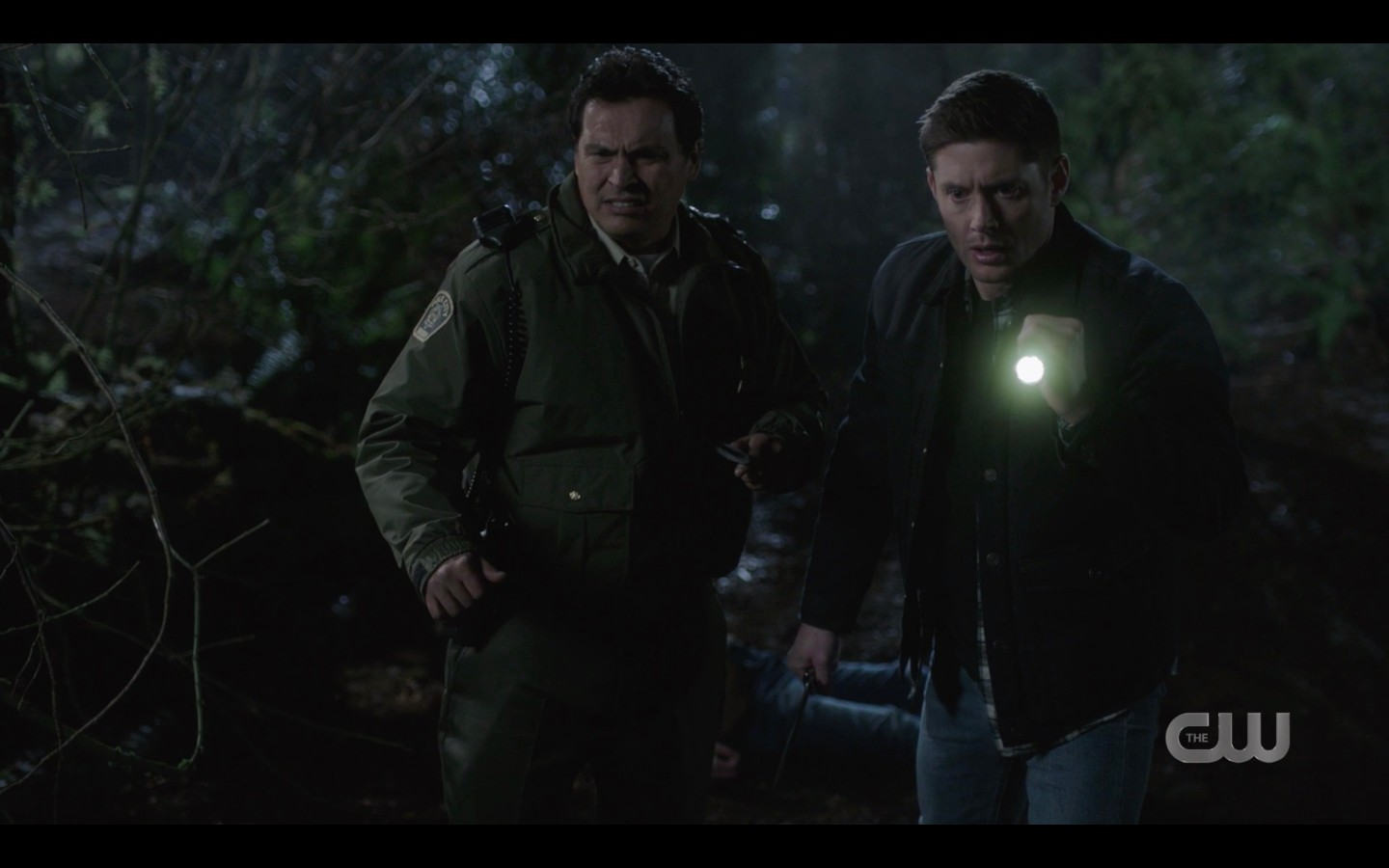 Dean Winchester with sheriff like full of raiders spn 1416