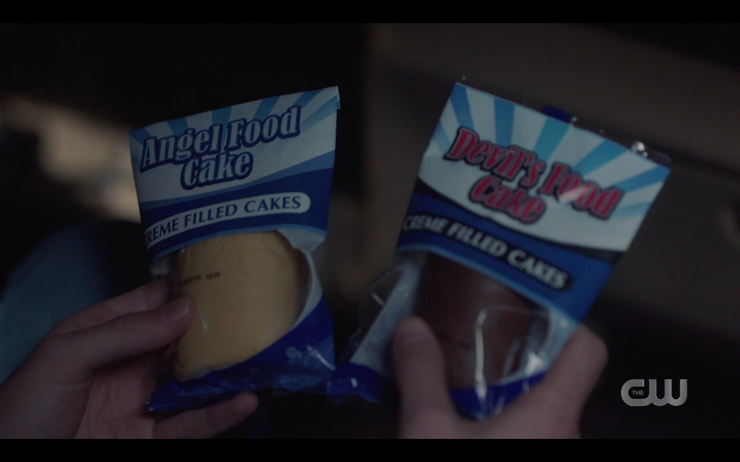Dean gives Jack choice of Angel Food or Devels food twinkies spn 1415