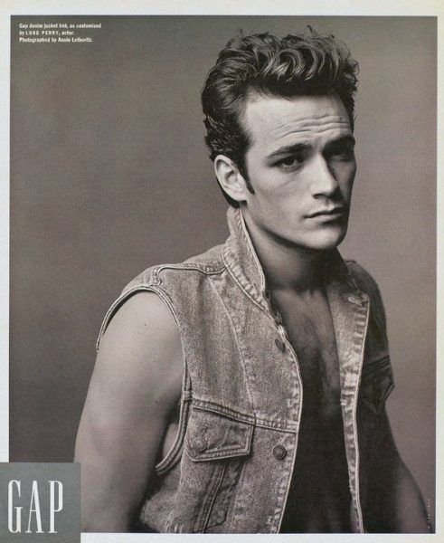 Luke Perry in sexy Gap ad dead at 52