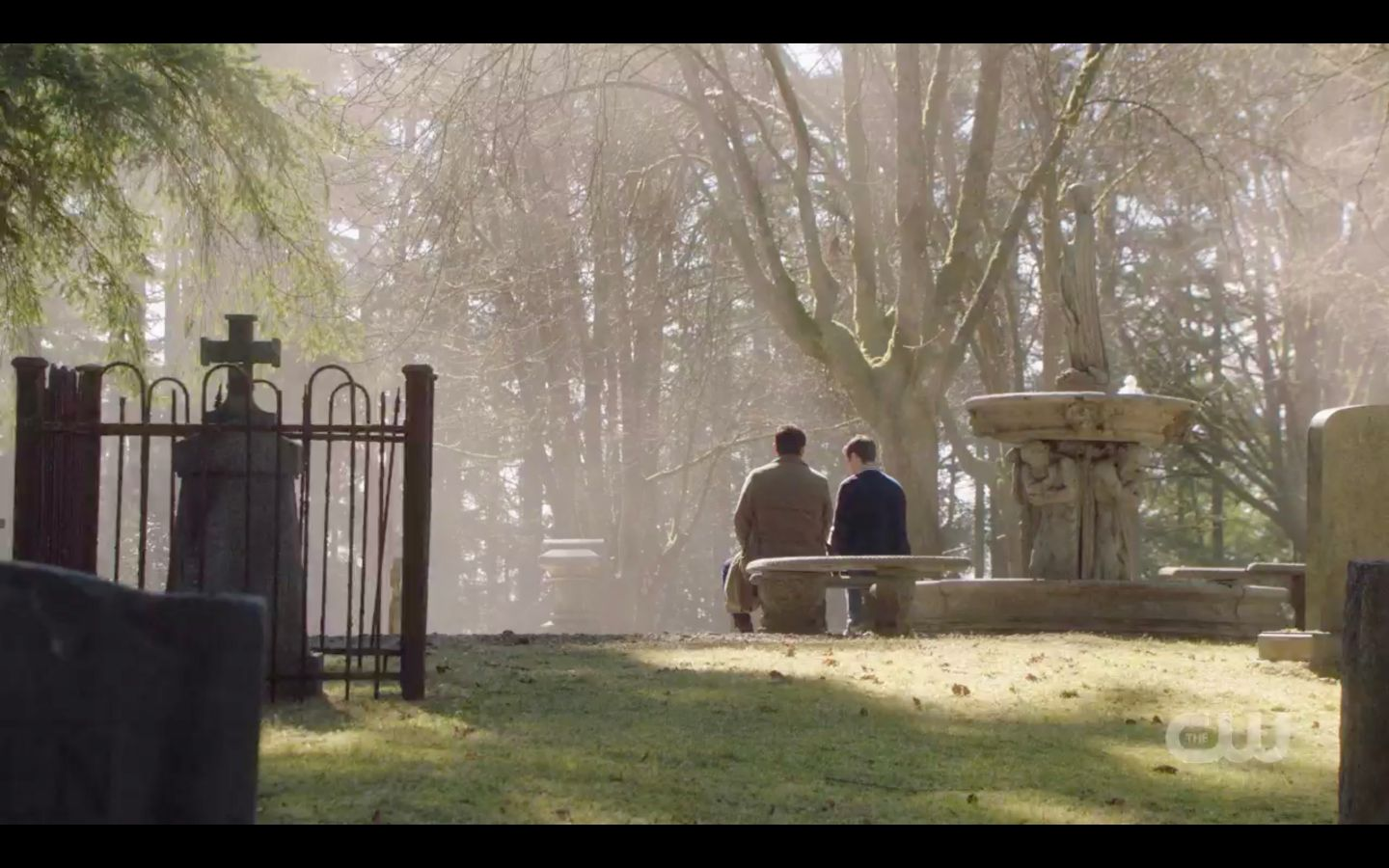 Jack with Castiel in cemetary waiting for Dean 14.20