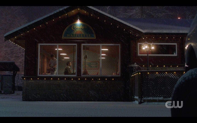 Supernatural 14.17 Castiel meets Anael at diner
