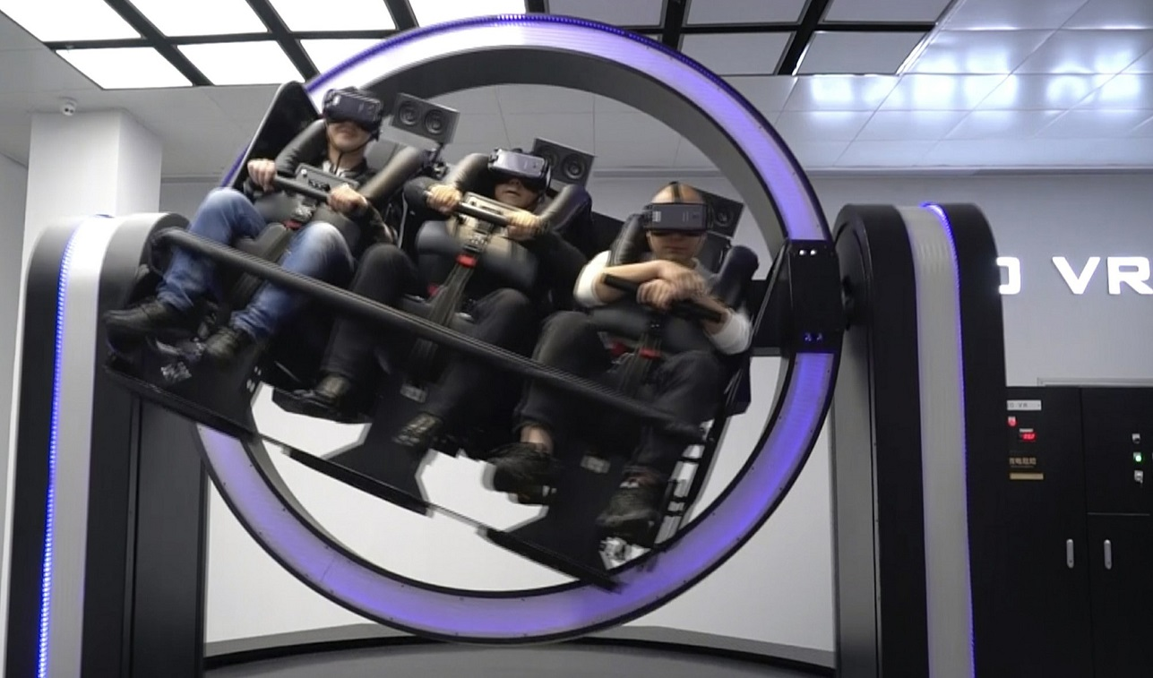 Virtual reality VR gyroscope ride in theme park for nanchang china