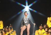 beyonce homecoming gives fan a rise while r kelly 2019 images